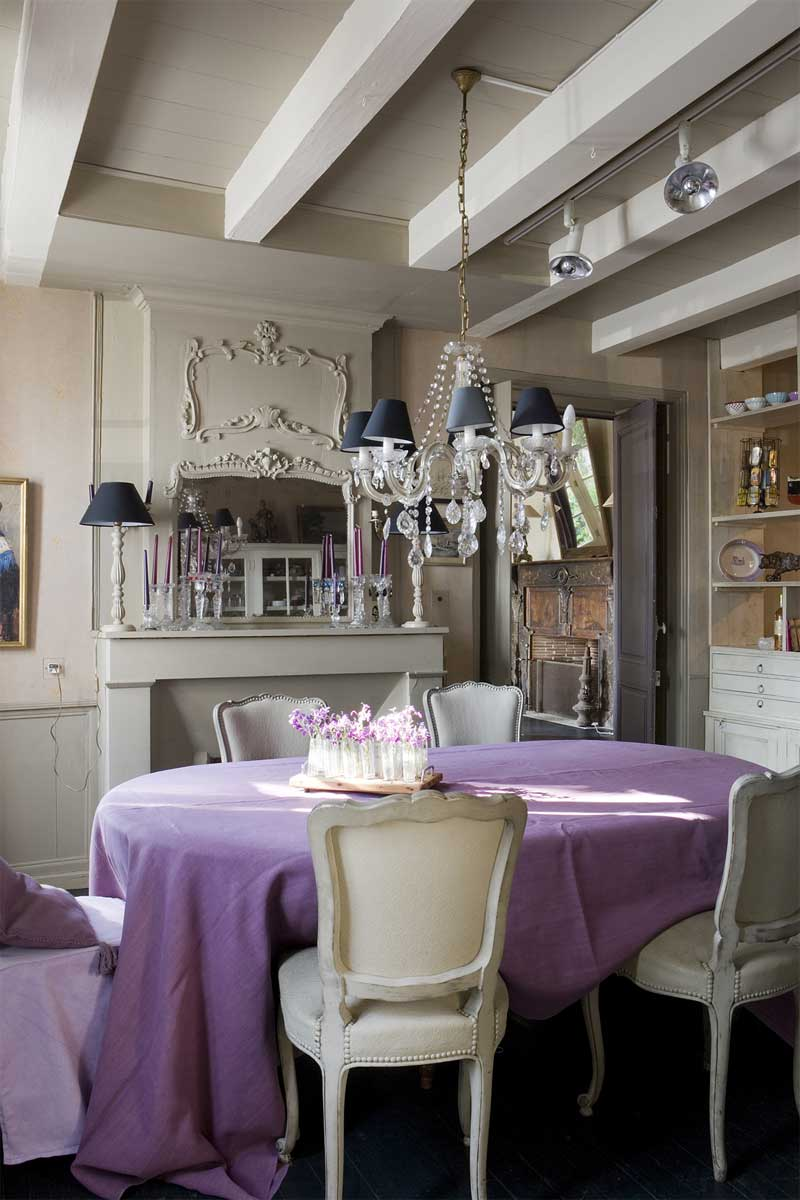 The palest lavender and graytoned purple create a restful vintage feel