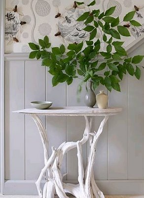 branch+leaves+vase+table